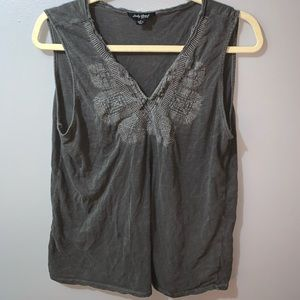 Lucky Brand embroidered tank top large